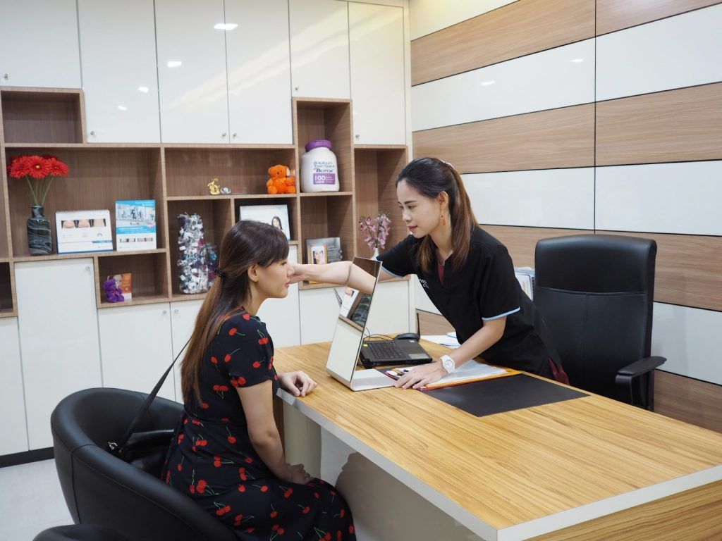 Mrs. Lee Jia Shin Visited Premier Clinic
