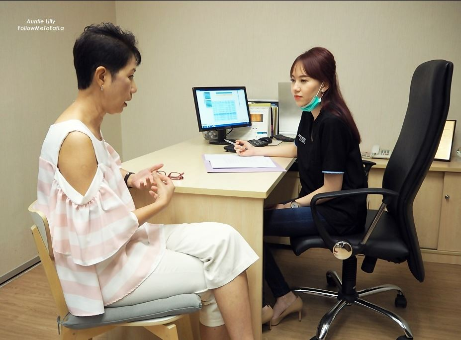 Knee PRP consultation by Dr Vanessa